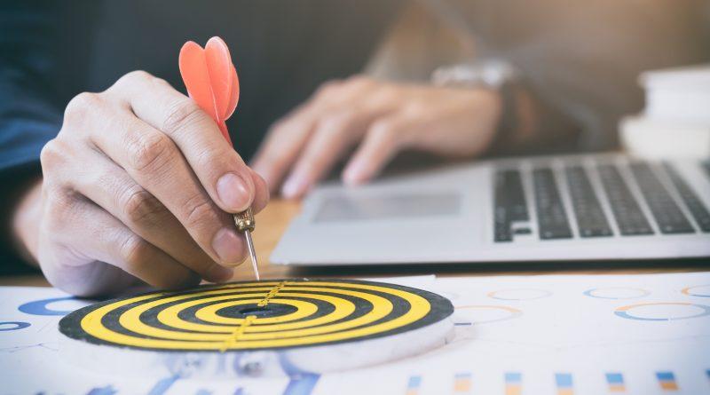 Entenda quais ações você deve colocar em prática para aprimorar a gestão comercial imobiliária do seu negócio e maximizar os resultados de vendas.